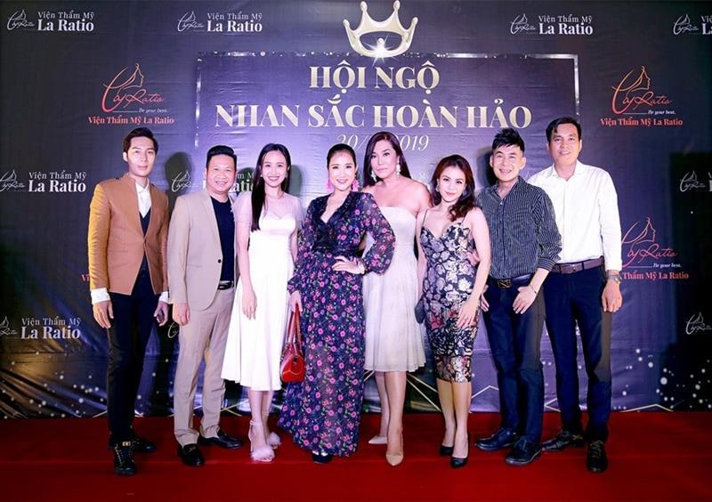 Nghệ sĩ Việt tưng bừng tham dự chương trình